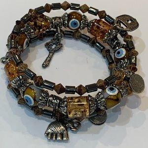 Jewelry - 💐5/25 memory wire glass bead elephant charm